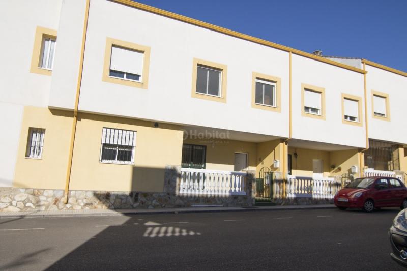 Chalet en venta top chalet en venta villafranca del - Comprar casa en hendaya ...